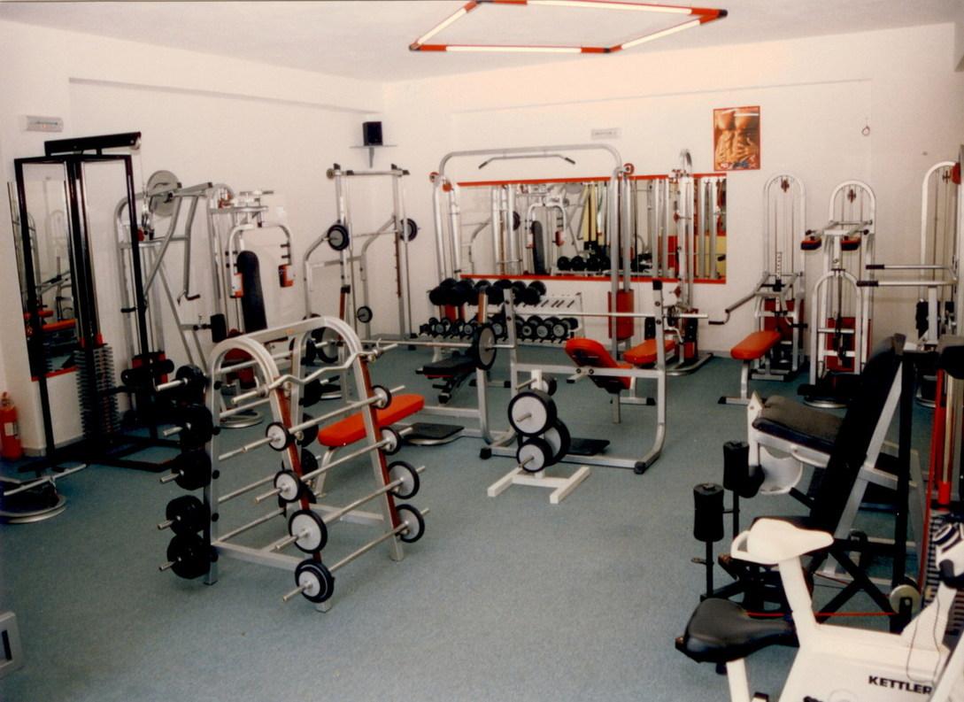 PAROS: PHYSIS SPORT CLUB