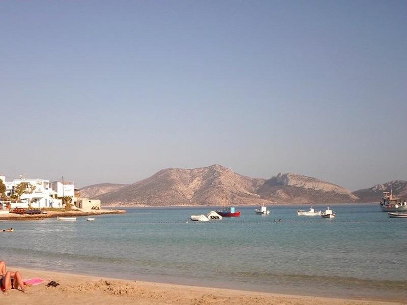ΣΥΡΟΣ: Alexandre & Themis MATSAKIS - Yacht Rental