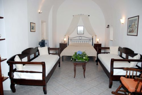 Accommodation REVERIE TRADITIONAL APARTMENTS - THIRA